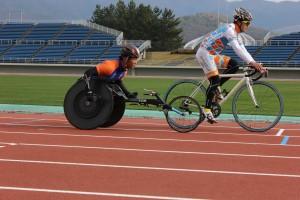 渡辺選手自転車とのデモンストレーション