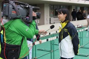 メディアよりインタビューを受ける村上選手